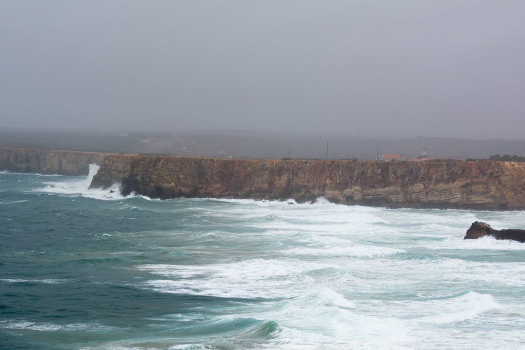 Die Bucht von Tonel bei Sagres ist bei Surfern sehr bekannt