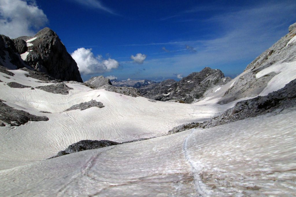 Viel Schnee am Hribarice-Sattel