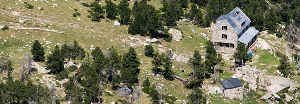 REFUGI ULLDETER - 2.236m Refugi d'Alta muntanya, Vallter 2000, Girona
