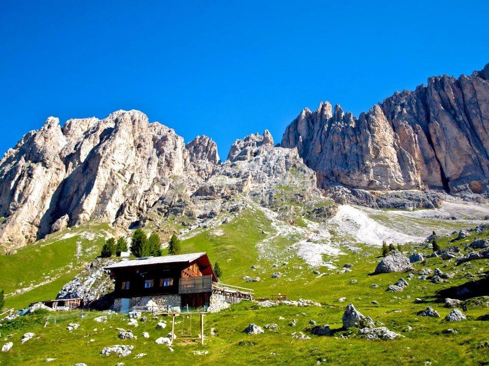 Sandro-Pertini-Hütte (2300m)